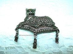 AVON Vintage Cat Brooch Pin Silver Plated Metal Three Fringe