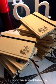 Nos encantan nuestras nuevas libretas de notas, recién llegadas de la imprenta. Podéis conseguirlas en la recepción de Malaca Instituto. Learning Spanish, School, Printing Press, Activities, Art, Learn Spanish, Spanish Language Learning