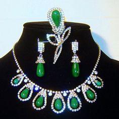 Vintage Kramer Jade Green Art Glass Rhinestone Necklace Brooch 2 Pair Earrings