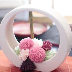 Japanese New Year, Japan Crafts, Flora Design, Modern Flower Arrangements, How To Wrap Flowers, Table Flowers, Ikebana, Flower Crafts, Flower Crown