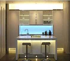 Interior lighting 2017 ideas, photos and trends - Home Technology Ideas Small Kitchen Bar, Kitchen Bar Design, Kitchen Lighting Design, Interior Lighting, Kitchen Designs, Kitchen Ideas, Country Kitchen, Mini Bars, Coastal Family Rooms