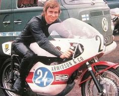 Old School Motorcycles, Racing Motorcycles, Gp Moto, Moped Scooter, Machine Photo, Japanese Motorcycle, Cafe Racer Bikes, Twin Turbo, Road Racing