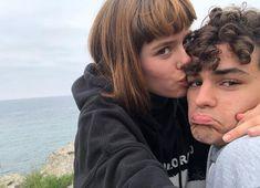 Eva y Jorge Skam España Nicole Wallace, Netflix, Series Movies, Teaser, Gabriel, Couple Photos, Universe, Clothes, Art