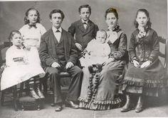Stewart Family in 1875 http://landisfamilytree.blogspot.ca/2010/01/jessie-eunice-stewart-hutton.html