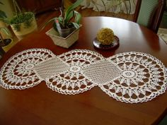 Cream Crochet Table Runner Cotton Table Runner Off-WhiteTable Cloth Table Decoration Center Piece Lace Table Runner Home Décor Crochet Table Runner, Lace Table Runners, Table Runner Pattern, Crochet Tablecloth, Crochet Home, Crochet Motif, Hand Crochet, Crochet Patterns, Lace Doilies