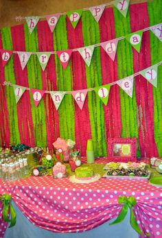 Damask & dots party: Lindley is 1! | Chickabug