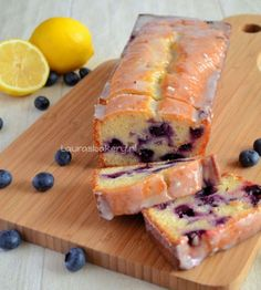 Citroen bosbessen yoghurt cake, zo ontzettend lekker en fris!
