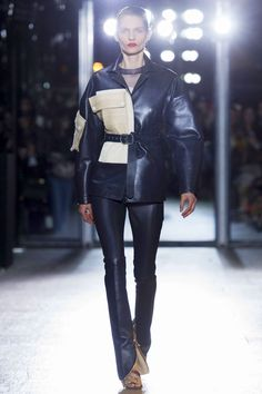 Acne Studios at Paris Fashion Week Fall 2015 - Runway Photos Winter Fashion 2015, Spring Fashion, Fashion Show, Autumn Fashion, Women's Fashion, Tweed, Fashion Details, Fashion Design, Couture Fashion