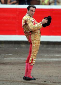 Ponce recibiendo ovación en Bilbao.