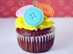 tutorial: How to Make Cute as a Button Cupcake Toppers