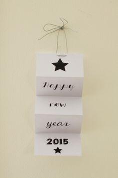 Noël est passé. Il est temps de penser à la dernière grande échéance de cette fin d'année : le réveillon de la Saint Sylvestre. Pour cela, voici un printable à usage multiple. Il pourra tout à tour servir de carte de voeux, de petits cadeaux pour vos...