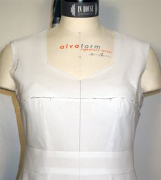 fitting for length adjustments and determining bust, waist, and hip position – In-House Patterns Bodice Pattern, Bra Pattern, Sewing Tutorials, Sewing Patterns, Sewing Ideas, Sewing Lessons, Pattern Drafting, Refashion, Pattern Fashion