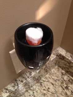 While your wax warmer is on, place a cotton ball in it to soak up all the wax in seconds (no need to unplug your warmer), toss the cotton ball in the trash to cover up bad smells. Cleaning Solutions, Cleaning Hacks, Cleaning Products, Remove Wax, Wax Burner, Wax Warmers, Air Freshener, Smell Good, Wax Melts