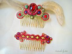 El Rinconcito de Zivi: Conjunto Flamenca Peinas Y Pendientes Soutache, Bisuteria… Soutache Earrings, Red Earrings, Bridal Party Jewelry, Bridal Hair, Green And Gold, Red Gold, Custom Jewelry, Handmade Jewelry, Or Rouge