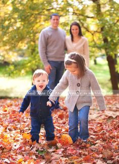 Family Photos-love how the kids are up   front and mom and dad are in the pic but not the focus!!