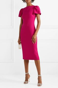 Roland Mouret - Clover off-the-shoulder draped wool-crepe dress Jimmy Choo, Classy Outfits, Pretty Outfits, Robe Fuchsia, Modest Fashion, Fashion Dresses, Bright Pink Dresses, Brandon Maxwell, Elegant Outfit