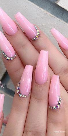 32 Super Cool Pink Nail Designs That Every Girl Will Love Pink Rhinestone Nail Art pinkacrylicnails pinknails rhinestonesnails Pink Acrylic Nail Designs, Light Pink Acrylic Nails, Nail Designs Bling, Hot Pink Nails, Nails Design With Rhinestones, Bling Acrylic Nails, Pink Nail Art, Best Acrylic Nails, Rhinestone Nails