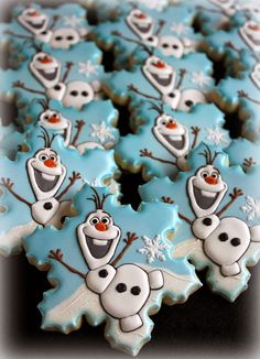 Disney Frozen Olaf Cookies. See more Frozen inspired cookies for your party on www.prettymyparty.com.