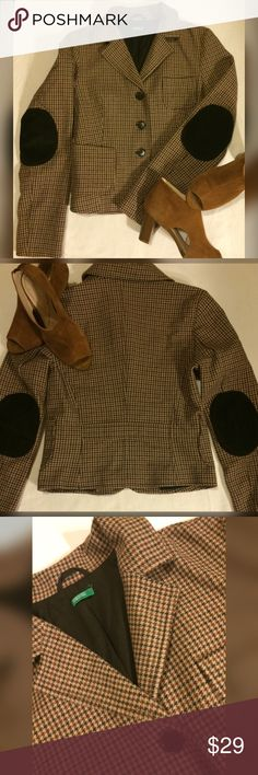 United Colors of Benetton-Made in Italy United Colors of Benetton - Made in Italy ❤️Size 40❤ Corduroy patches on elbows....Fall Fashion United Colors Of Benetton Jackets & Coats Blazers