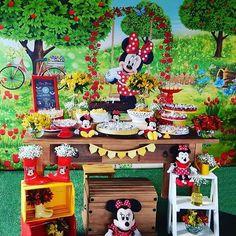 Quer um painel 3D lindo e maravilhoso da Minnie? Vem pra cá! 😉 a Lozove Design faz artes lindas e diferenciadas para você!!! 📩 📩contato@lozove.com.br ✏Painel exclusivo da @lozovedesign ☎ (44) 3030-3096 📲 whatsapp(44) 997739033 🌎Enviamos para todo o mundo✈  #minnie #disneyparty #disneyfestas #festasdisney #kids #jardim #festajardim #festaminnie #painel3D #painel3d #painelsublimado #sublimação #sublimacao #festaminnie #minnievermelha #party #festademenina