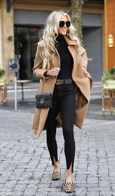 20 Edgy Fashion Outfits to look Forever Young - Fashion Trend 2019 - Outfits - Modetrends Trend Fashion, Winter Fashion Outfits, Look Fashion, Autumn Winter Fashion, Fashion Bloggers, Fashion Ideas, Fashion Black, Women's Fall Fashion, Winter Fashion Women