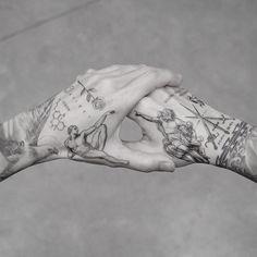 My best friend M R.k_tattoo 💥💥 - Hand Nail Design FoR Women Hand Tattoos For Guys, Tattoos For Women, Men Tattoos, Tatoos, Mens Hand Tattoos, Best Tattoos For Men, Tattoo Women, Men Back Tattoos, Body Art Tattoos