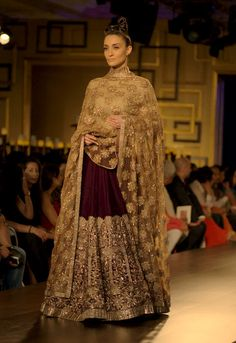 Manish Malhotra at India Couture Week 2014: Bridal Collection titled Portraits