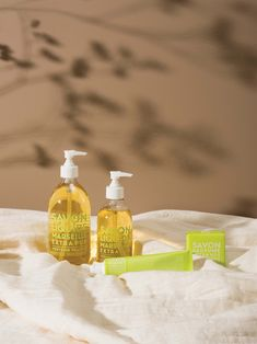 Introducing our Fresh Verbena scent from the Extra Pur range 👋 The fresh, lemony fragrance features in our liquid soaps, soap bars and hand creams. Hand Creams, Liquid Soap, Verbena, Bar Soap, Provence, Soaps, Contemporary Design, Fragrance, Range