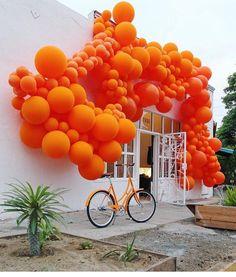 Modern balloon arch