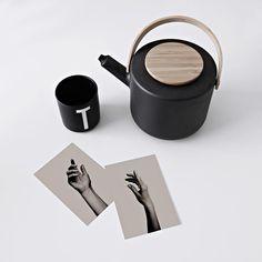 Coffee & artcards👌🏼 _ #steltonmoment #coffeemoment #poftCards #artcards #artcard #artwork #graphicartist #wallart #coffee
