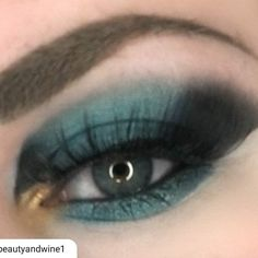#repost I wish I could say this was my work but I'm proud to show off my amazingly talented Brand Ambassador @beautyandwine1. I love this color on her!  #madeupwithpersonality ------------------ A better shot of lasts nights eye look.  I am in love with the Drama Queen shade from the @blenditlikebecker Life Of The Party Palette (center lid). If you dont have this yet you need to try it - use code Heather15 to save on your order (link in bio)! Lashes @stormlashes in Bucharest  Brows…