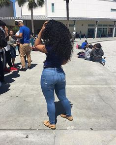 Best Baddie Outfits Part 2 School Outfits, Summer Outfits, Girl Outfits, Casual Outfits, Cute Outfits, Fashion Outfits, Superenge Jeans, Mom Jeans, Curly Hair Styles