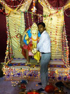 अभी कुछ क्षण पहले भगवान श्री विश्वकर्मा जी के जन्म-दिवस पर पुजा के बाद मै उनकी चरण वन्द्ना करते हुए.