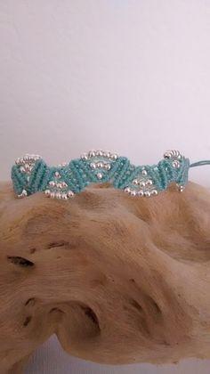 bracelet micro macramé aqua et perles en métal argenté : Bracelet par les-creations-du-sud