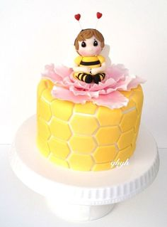 Children's Birthday Cakes - A bumble cake for a sweet little girl. Thanks to Mayen of Way Beyond Cakes for the precious moments tutorial. Bee Cakes, Fondant Cakes, Cupcake Cakes, Girly Cakes, Beautiful Birthday Cakes, Funny Cake, Cake Makers, Novelty Cakes, Birthday Cake Girls