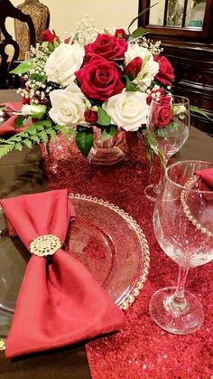 Dinner Dark Red Maroon Cranberry White Gold Beige Flowers Floral Set of 4 Cloth Napkins Everyday Wedding Table