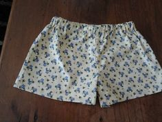 Size 4 - Floral shorts for every day wear