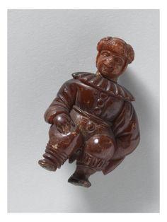 Figure grotesque en costume de bouffon italien - Musée national de la Renaissance (Ecouen) (RMN) -