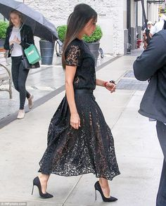 Victoria Beckham draws attention to her legs in sweeping semi-sheer dress as she steps out in New York | Daily Mail Online