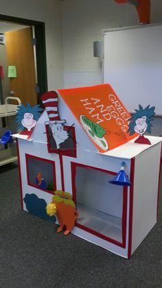 Dr Seuss house for lip dup!