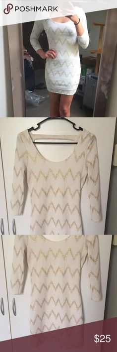 ✨ White/Gold Party Dress ✨ White bodycon dress with thin gold chevron print; mid sleeve with open back SUPER cute for any formal occasion or even a NYE party! Like NEW; Only worn once! Dresses