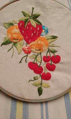 Embroidery Patterns, Hand Embroidery, Christmas Fashion, Strawberry, Cross Stitch, Style, Satin Stitch, Strawberries, Cross Stitch Embroidery