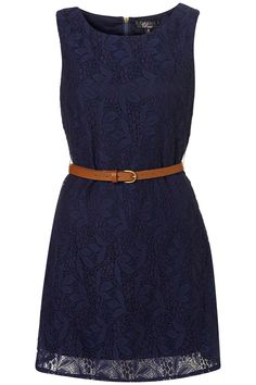 Vintage lace and navy. would be so cute for my aunt's wedding (;