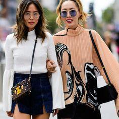 Продолжаю знакомить Вас с модными трендами, в этот раз предлагаю публикацию, в которой рассмотрим стильные и модные образы модниц в белом цвете. Напомню, что белый цвет - один из самых трендовых в этом году. Многие известные дизайнеры и модные дома использовали белый цвет для создания женственных и элегантных нарядов.