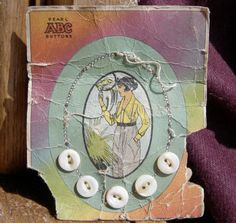 ButtonArtMuseum.com - 5 White Shell Vintage Buttons on Unusual Card