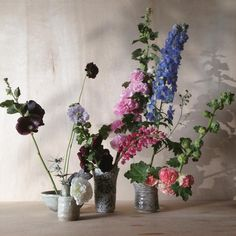 Evocative of sculptural pieces of art, we're drawn to Ikebana, the Japanese art of arranging cut stems, leaves and flowers to emphasise form and balance. Ikebana, Japanese Art, Floral Arrangements, Flower Arrangement, Wedding Styles, Glass Vase, Floral Design, Art Pieces, Bloom