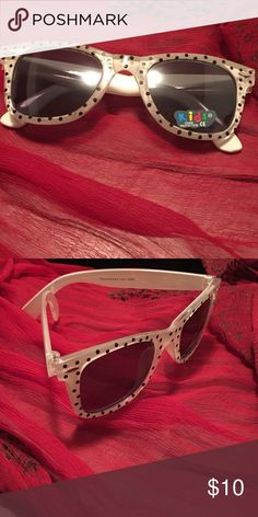 New! Kids Hello Kitty Glasses White with black poka dots New! Fast Shipping! AGES 1-4 Accessories Sunglasses