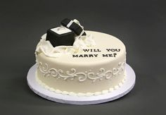 Carlo's Bakery - I wanttt (: Engagement Cake Design, Engagement Cakes, Engagement Ring, Engagement Ideas, Cool Wedding Cakes, Wedding Cake Toppers, Cupcakes, Cupcake Cakes, Carlos Bakery