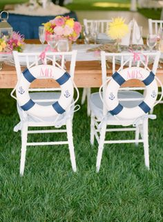 nautical seating decor   Photo by Abby Jiu