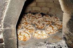 Btead from Galicia Cuban Recipes, Portuguese Recipes, Waffle Recipes, Oven Recipes, Gourmet Recipes, Cooking Recipes, Portuguese Food, Portuguese Culture, Spanish Bread